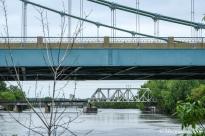 Minneapolis: Hennepin Avenue Bridge (foreground)