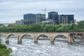 Minneapolis: Mississippi River and Stone Arch Bridge